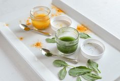 DIY Natural Green and Yellow Food Colouring - easy 'How-To' using turmeric and spinach!