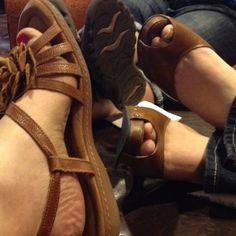 Shoes...@rachelkvincent's are so much cuter than mine & @ilona_andrews #rt2012