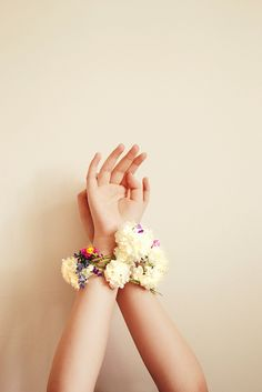 Pretty floral wrist garland, instead of bouquets
