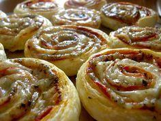 cuz' I love food Churros, My Favorite Food, Favorite Recipes, Savoury Baking, Breakfast Items, Arabic Food, Turkish Recipes, Desert Recipes, Food Design