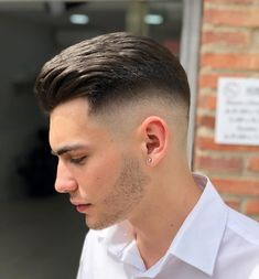 Skin Fade Inspiration For Stylish Gentlemen Of All Ages Slicked Back High Skin Fade Cut ❤️ Contemporary men never pass by skin fade haircuts! We've compiled the latest examples: high skin fade with comb over, mid Cool Hairstyles For Men, Boy Hairstyles, Cool Haircuts, Haircuts For Men, Male Curly Hair, Mid Fade Haircut, Haircut Men, Short Hair Cuts, Short Hair Styles