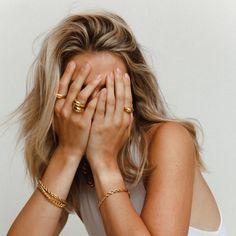 Jewelry Model, Photo Jewelry, Gold Jewelry, Jewelry Accessories, Fashion Jewelry, 80s Jewelry, Jewellery, Luxury Jewelry, Vintage Accessories