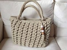 Image result for вязаные сумки Crochet Handbags, Crochet Purses, Crochet Bags, Love Crochet, Knit Crochet, Handbag Patterns, Crochet World, Unique Bags, Knitting Accessories