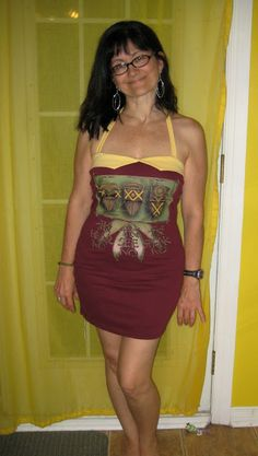 Transform an oversized T-shirt into a sexy dress with this tutorial by Sew Lil Time.