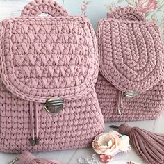 Discover thousands of images about Crochet Pretty Easy Backpack - Tutorial (Beautiful Skills - Crochet Knitting Quilting Free Crochet Bag, Crochet Beach Bags, Knit Crochet, Crochet Handbags, Crochet Purses, Bag Patterns To Sew, Crochet Patterns, Backpack Tutorial, Crochet Backpack