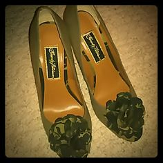 """HOST PICKBeverly Feldman This is a beautiful pair of BEVERLY FELDMAN cork wedge canvas peep toe shoes, worn once, darn near perfect condition! size US 8.5M , wedge heel 3 3/4"""", peep toe! Make me an offer! Beverly Feldman Shoes Wedges"""