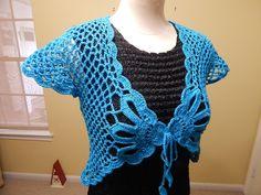 Este bolero esta tejido en talla mediana pero se puede tejer en cualquier medida, es muy facil y bonito