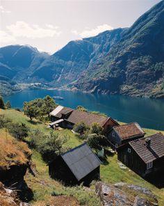 Farm kommune in Aurlandsfjord, Norway