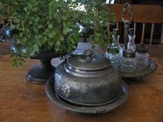 Pretend Pewter - tarnished silver has the look of pewter! Cake Baking, Baking Pans, Primitive Decor, Country Primitive, Fancy Dishes, Tarnished Silver, Antique Pewter, Old World Charm, Primitives