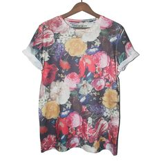 searching, searching for the perfect tee.diggin this print Painted Floral Tee by LAST BUT WON Trend Fashion, Fashion Mode, Mode Geek, Estilo Cool, Grunge, Vogue, Dressed To Kill, Passion For Fashion, Floral Tops