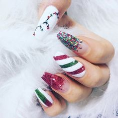 Glitter Christmas Nail Designs # Christmas nails The Effective Pictures We Offer You About christmas wrapping A quality picture can tell you many … Aycrlic Nails, Dope Nails, Fun Nails, Hair And Nails, Chistmas Nails, Xmas Nails, Holiday Nails, Disney Christmas Nails, Fabulous Nails
