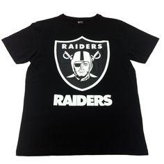 人気フットボールチーム、オークランド・レイダースとのコラボTシャツ。大きくのせたプリントが目を引く。/Oakland Raiders×WEGOコラボTシャツ(WEGO)¥2,990-/ WEGO金沢店 TEL: 076-224-5506/TATEMACHI SUMMER COLLECTION 2013