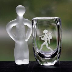 Engraved Kosta Crystal Vase, The Future is Mine, Boy with a Knapsack, Designed by Vicke Lindstrand, c. 1960 My Glass, Glass Art, Crystal Vase, Accent Pieces, Snow Globes, Stoneware, Sculptures, Ceramics, Future