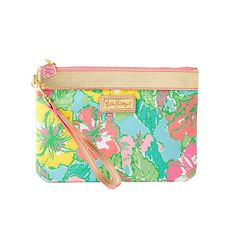 Lilly Pulitzer Wanderlust Wrislet in Big Flirt- fits phone, credit card, id & make-up