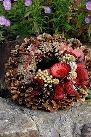 """Képtalálat a következőre: """"dušičkový věnec"""" Floral Wreath, Wreaths, Fall, Home Decor, Autumn, Homemade Home Decor, Flower Crowns, Door Wreaths, Deco Mesh Wreaths"""