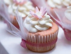 A Dose of Frosting..: Pink it is! A bridal shower cupcake.