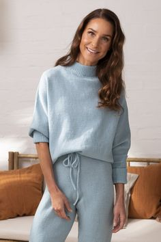 A bat-sleeved, feeling good -sweater is knitted from neckline to hem. Novita Baby Wool with soft merino wool as yarn. Knitting Designs, Knitting Patterns, 4 Ply Yarn, Lace Cardigan, Cool Sweaters, Knit Fashion, Lace Knitting, Beautiful Patterns, Cool Shirts