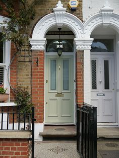 Ideas For Modern Front Door Styles Farrow Ball Teal Front Doors, Cottage Front Doors, Victorian Front Doors, Modern Front Door, House Front Door, Painted Front Doors, Victorian Terrace, Front Door Colors, Green Doors