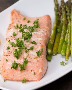 Grilled Citrus Salmon and Asparagus | 72 Insanely Popular Dinners You Have To Try In 2017