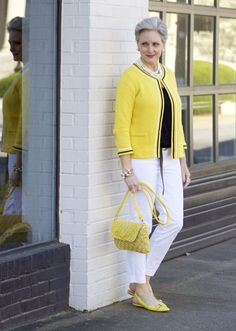 bright on   styleatacertainage  Usaria uma bolsa de outra cor, pois está tudo muito combinado, amarelo demais...mas a roupa está linda.