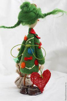 Купить или заказать Елочка в интернет-магазине на Ярмарке Мастеров. Яркая и праздничная, нарядная и красочная, необычная девочка-елочка украсит Ваш интерьер и будет хорошим подарком к Новому…