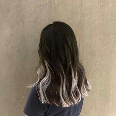 Blonde Brown Hair Color, Purple Hair Streaks, Two Color Hair, Hair Color Purple, Hair Dye Colors, Colored Streaks In Hair, Hair Colour Ideas, Pastel Purple, Hair Color Underneath