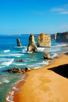 Discover the Great Ocean Road from Melbourne on this day trip by coach that allows you to soak up the natural beauty of one of Australia's most stunning stretches of coastline. Australia Tours, Australia Travel, Melbourne Australia, Dream Vacations, Vacation Spots, Travel Tours, Travel Destinations, Oh The Places You'll Go, Places To Visit