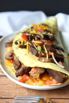 minus the cheese and sub ghee! An IHOP copycat recipe for Big Steak Omelette: a giant omelette stuffed to the brim with steak, bell peppers, onions, cheese, hash browns and mushrooms! Egg Recipes, Brunch Recipes, Breakfast Recipes, Cooking Recipes, Healthy Recipes, Asian Recipes, Quiche Recipes, Steak Recipes, Chile Relleno