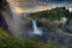 Snoqualmie Falls, one of my favorite places. I used to drive up there all the time when I had a working car