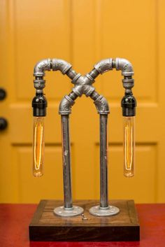 odywood - Çapraz Metal Boru Lamba: Endüstriyel tarz Oturma Odası