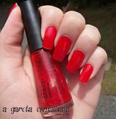 Esmalte Camarote, da Avon. Por: A Garota Esmaltada (http://agarotaesmaltada.tumblr.com)
