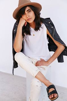 7 Agreeable Hacks: Urban Wear For Men Blazers urban dresses fashion outfit.Urban Fashion Plus Size For Women urban fashion inspiration jackets. Minimal Chic, Minimal Fashion, Minimal Classic, Style Désinvolte Chic, Style Me, Indie Style, Look Fashion, Urban Fashion, White Fashion