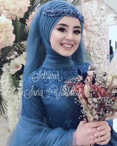 We get ready;)) Oh Miss . Now I can start with my peace of mind # Tesettür Gelinlik Modelleri 2020 Hijabi Wedding, Muslimah Wedding Dress, Hijab Style Dress, Muslim Wedding Dresses, Muslim Brides, Turban Hijab, Bridal Gowns, Simple Hijab, Man Fashion