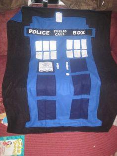 DIY TARDIS Blanket (bonus: Folds into a TARDIS pillow XD)