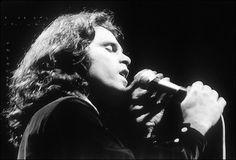 [Wiki]: Un poco de la vida del Rey Lagarto, Jim Morrison http://www.ka-volta.com/featuring/wiki-un-poco-de-la-vida-del-rey-lagarto-jim-morrison