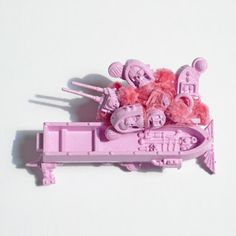 'Prettier in Pink', Brooch, September 2012, Fliss Quick