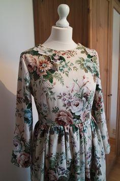 Vintage dress with floral pattern