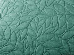 These quilting stitch designs include patterns for longarm quilting machines, free patterns for machine quilting, and hand quilting designs. Use these beautiful free quilt designs for the stitching in your next quilt! Quilting Stencils, Quilting Templates, Longarm Quilting, Free Motion Quilting, Quilting Tutorials, Quilting Projects, Quilting Ideas, Quilting Classes, Art Quilting