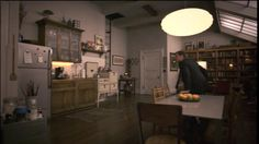 Neal Caffrey's Dining Room on White Collar. Anyone know the brand of the vintage stove? I love it.