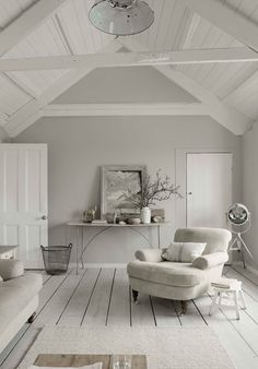 white interior design 2012 home design decorating Cosy Living, My Living Room, Home And Living, Living Spaces, Living Room Wooden Floor, Cottage Living, Coastal Living, Shades Of Grey Paint, 50 Shades