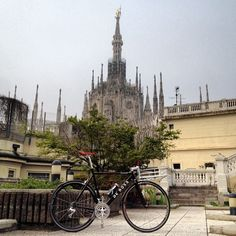 #Bikeporter sobre una bici DeRosa, manillar con transportin incorporado.  #avantumbikes