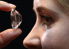 Scientists Turn Nuclear Waste into Diamond Batteries That'll Last for Thousands of Years December 6, 2016  by PHILIP PERRY