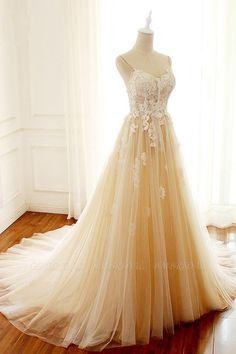 Gorgeous Sweetheart Creamy Tulle Wedding Dress Spaghetti Straps Sweep Train Bridal Gowns On Sale Spaghetti Strap Wedding Dress, Lace Wedding Dress With Sleeves, Wedding Dress Train, Applique Wedding Dress, Cheap Wedding Dress, Spaghetti Straps, Dress Lace, Tulle Wedding, Gown Wedding