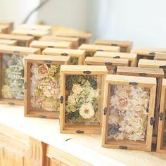 Flower Box Gift, Flower Boxes, Flower Frame, Diy Resin Art, Diy Resin Crafts, Diy And Crafts, Art Floral Japonais, Deco Marine, Wine Gift Baskets