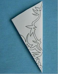Paper Flowers Diy, Diy Paper, Paper Art, Paper Crafts, Paper Snowflake Designs, Paper Snowflakes, Christmas Paper, Christmas Crafts, Snow Flakes Diy