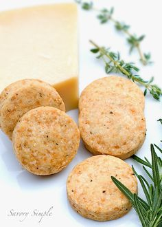 Parmesan Shortbread Crackers with Herbs - Savory Simple - Why buy crackers when they're so easy to make at home? These shortbread crackers use fresh herbs - Savoury Biscuits, Savoury Baking, Savory Crackers Recipe, Cracker Recipe, Homemade Crackers, Homemade Breads, Bread Baking, Appetizers For Party, Antipasto