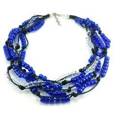 Ręcznie plecione korale na czarnym sznurku bawełnianym zkoralików akrylowych w kolorze granatowym-kobaltowym i transparentnym. Zakończenie z karabińczykiemi oczkami do regulacji. Beaded Necklace, Metal, Jewelry, Fashion, Beaded Collar, Moda, Jewlery, Pearl Necklace, Jewerly