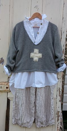 inspirational image---cut down a sweater and add an applique