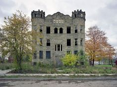 Detroit in ruins: the photographs of Yves Marchand and Romain Meffre - A hommage to the work of Yves Marchand and Romain Meffre. They created a series of magnificent photographs of Detroit. I hope you enjoy their work as much as I do. Abandoned Buildings, Abandoned Mansions, Old Buildings, Abandoned Places, Haunted Places, Detroit Ruins, Abandoned Detroit, Transformers, Detroit History