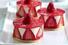 Dortíky Fraisier | Apetitonline.cz Pavlova, Panna Cotta, Cheesecake, Pudding, Sweets, Ethnic Recipes, Food, Cakes, Pies